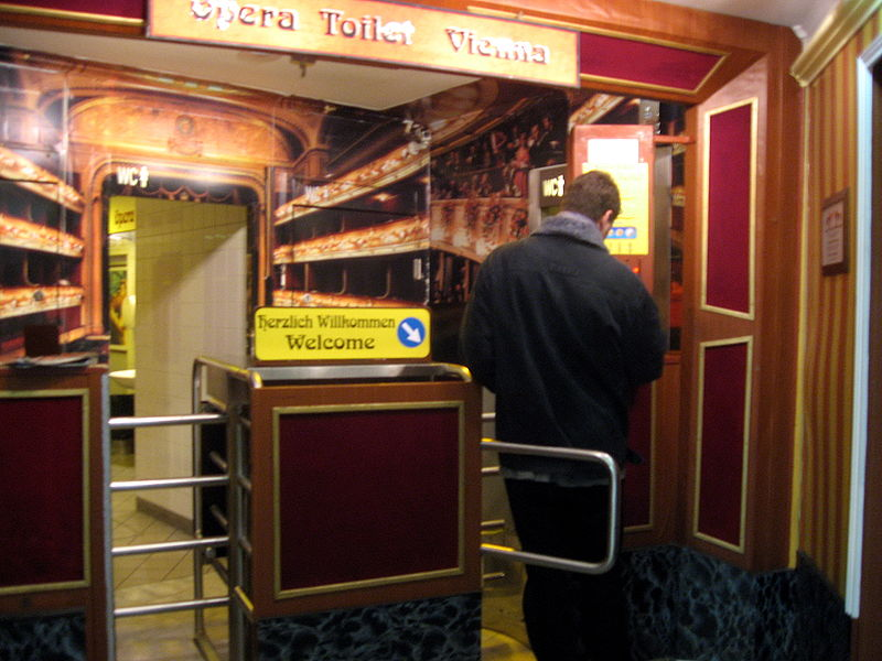 800px-Opera_Toilet_Vienna